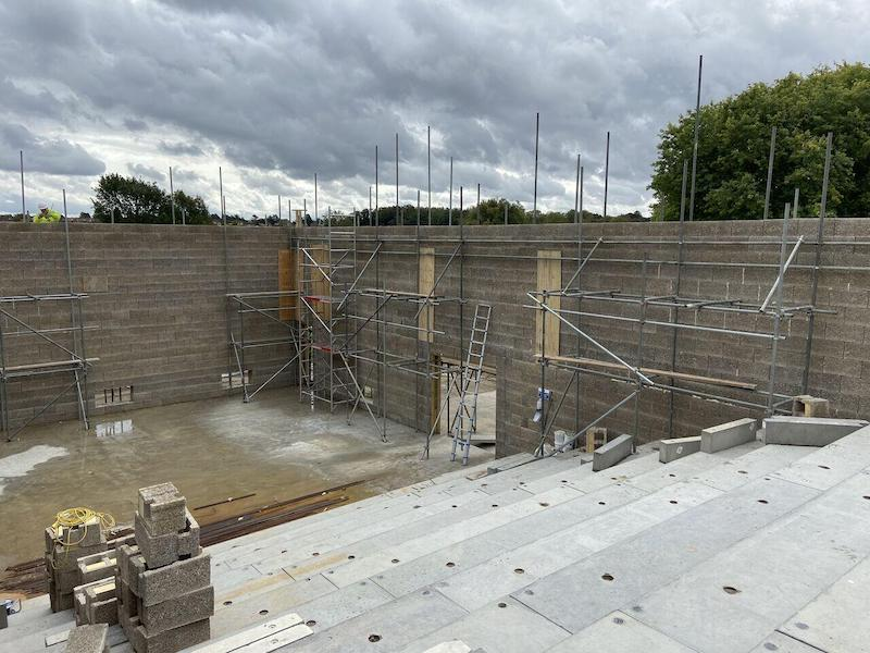Double height auditorium built with Durisol, ICF